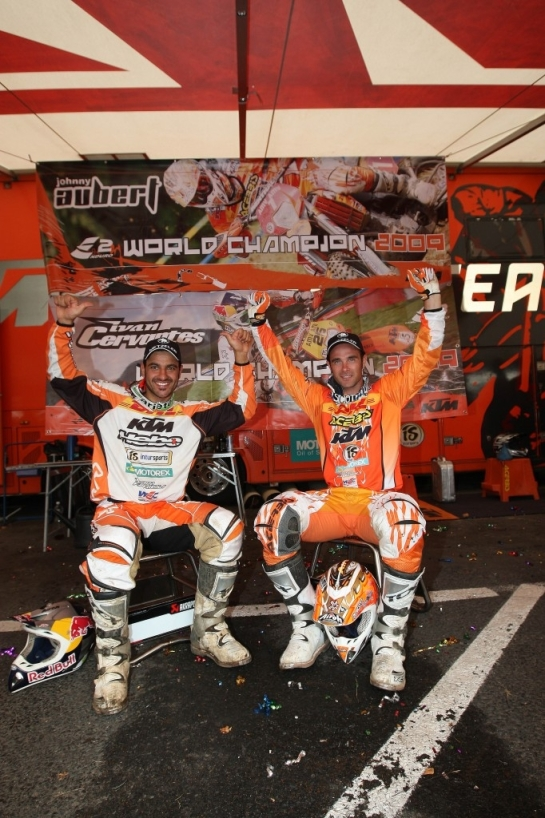 2009 E3 World Champion Cervantes with former and future team mate Johnny Aubert of France